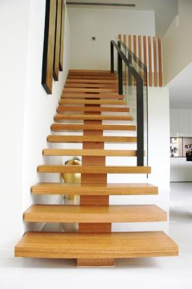 How To Choose The Right Staircase Builder In Sydney?