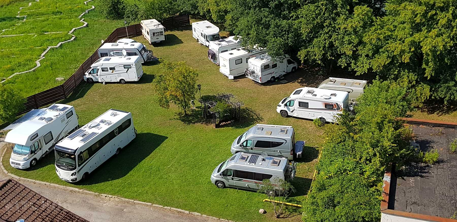 Why do people favour caravan for perfect holidays?
