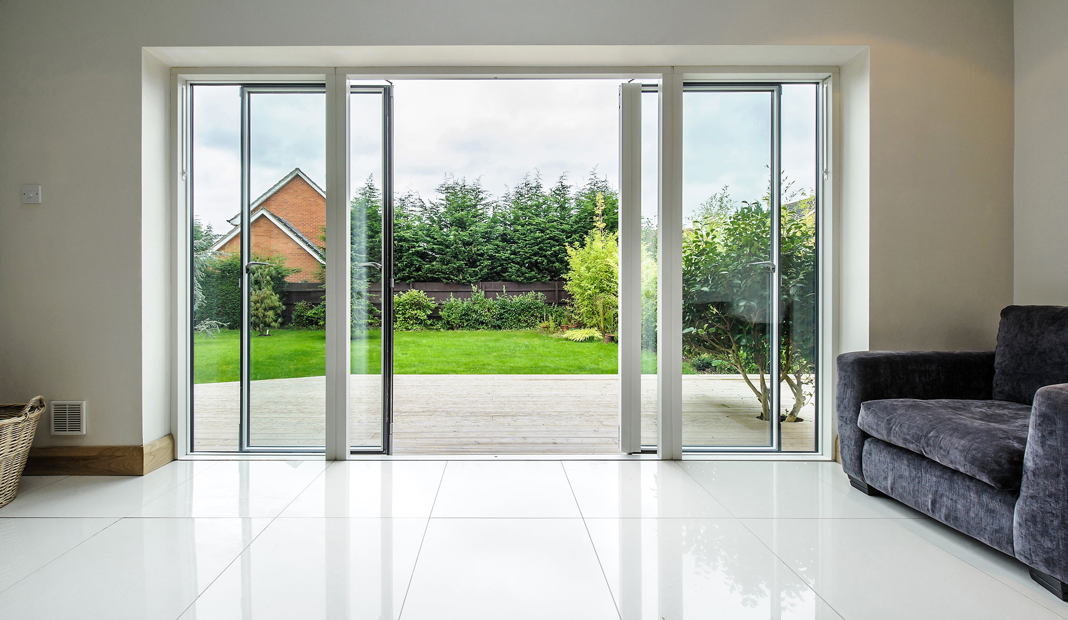 How Do You Go About Selecting High-quality Aluminium Doors For Your Home?